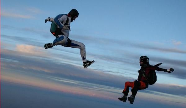 200 saltos en caída libre