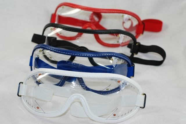 tenemos un regalo para ti: gafas de salto al hacer tu curso AFF