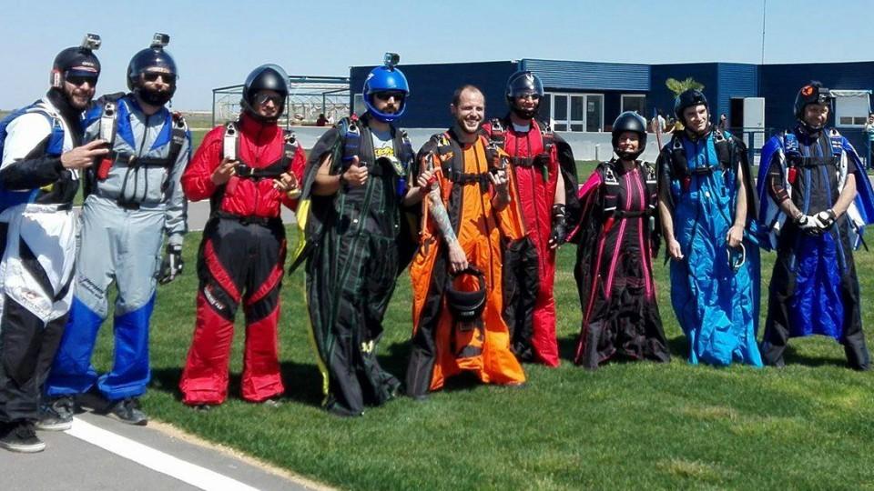 skydive-wingsuit