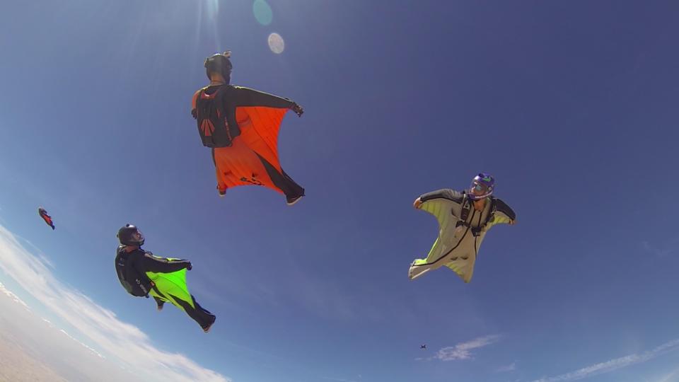 wingsuit_skydive_lillo