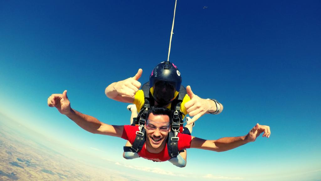 primer_salto_en_paracaidas_skydive_lillo